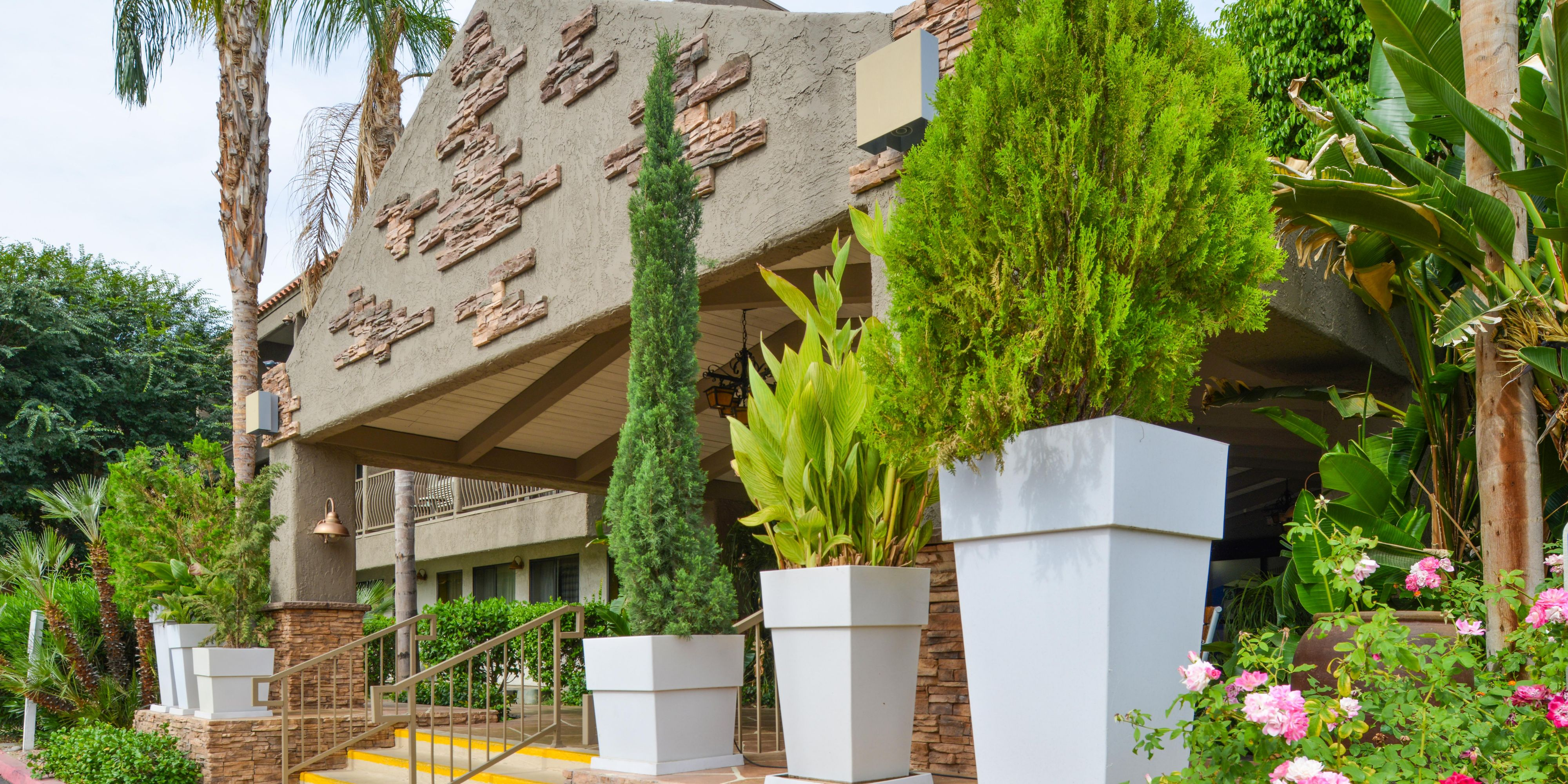 Palm Desert CA Hotel   Holiday Inn Express In Palmdale, CA 92260