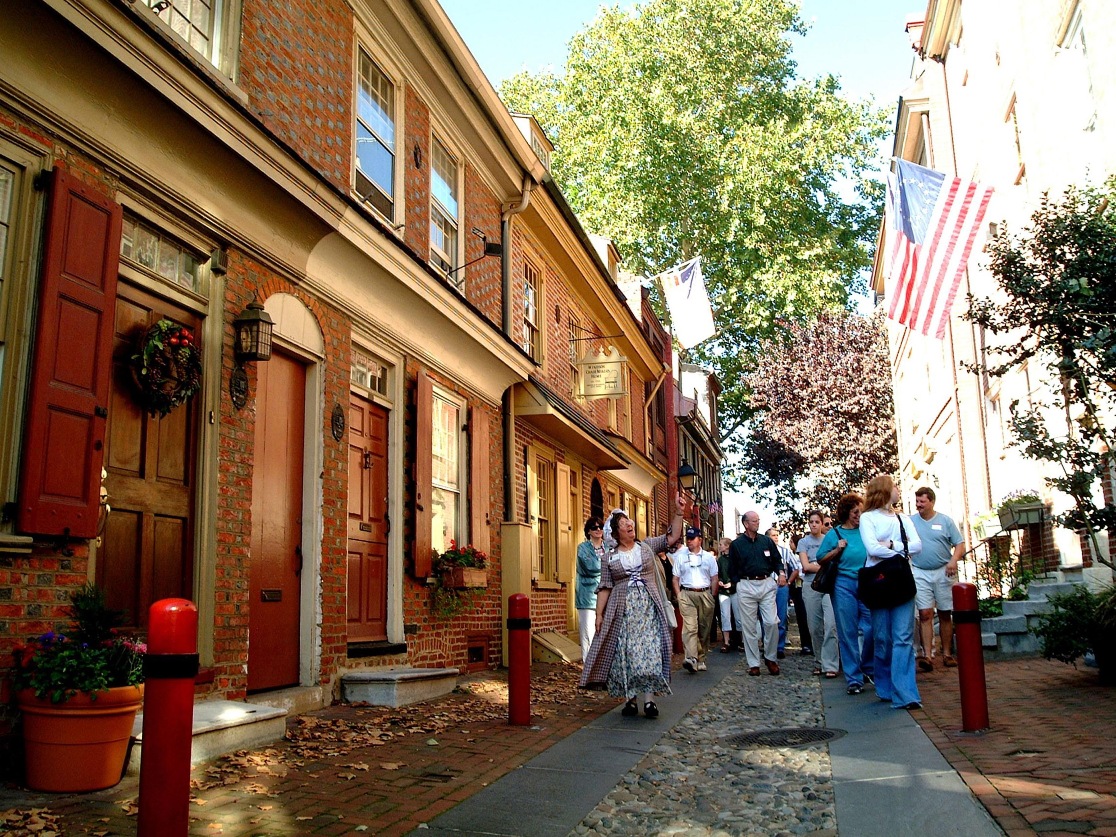 Elfreths Alley-the oldest residential cobblestone street in Philly