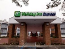 Holiday Inn Express Port Hueneme in Ventura, California