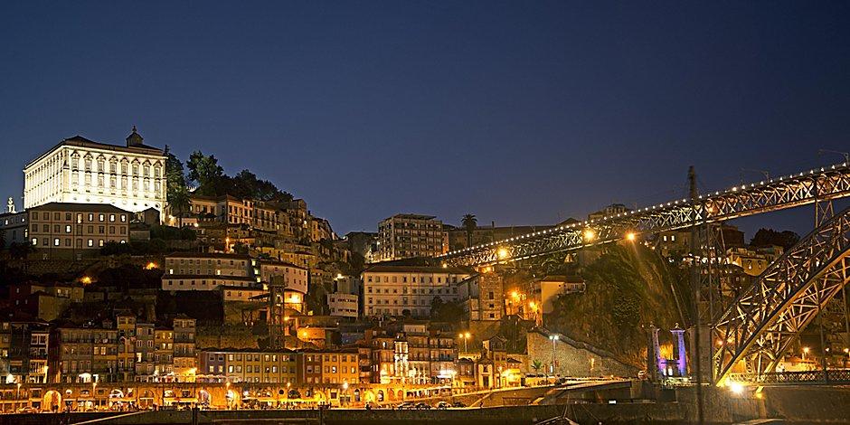 Hotel Near Airport: Holiday Inn Express Porto - Exponor
