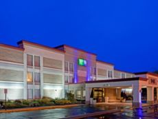 Holiday Inn Express Ramsey-Mahwah in Suffern, New York