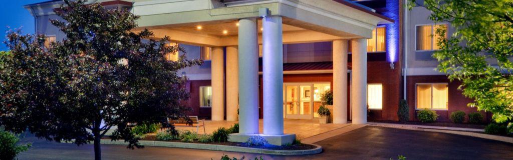 Front Desk Hotel Exterior Holiday Inn Express Irondequoit