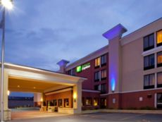 Holiday Inn Express Rochester - Greece in Batavia, New York