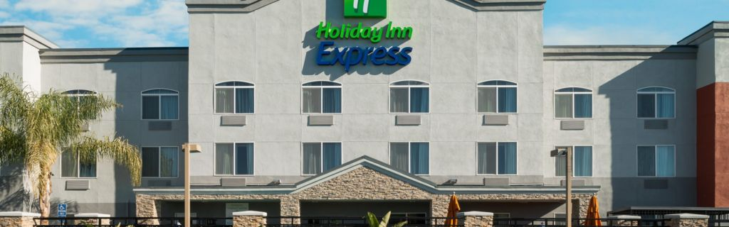 Hotel Exterior Welcome To The Holiday Inn Express Rocklin Galleria