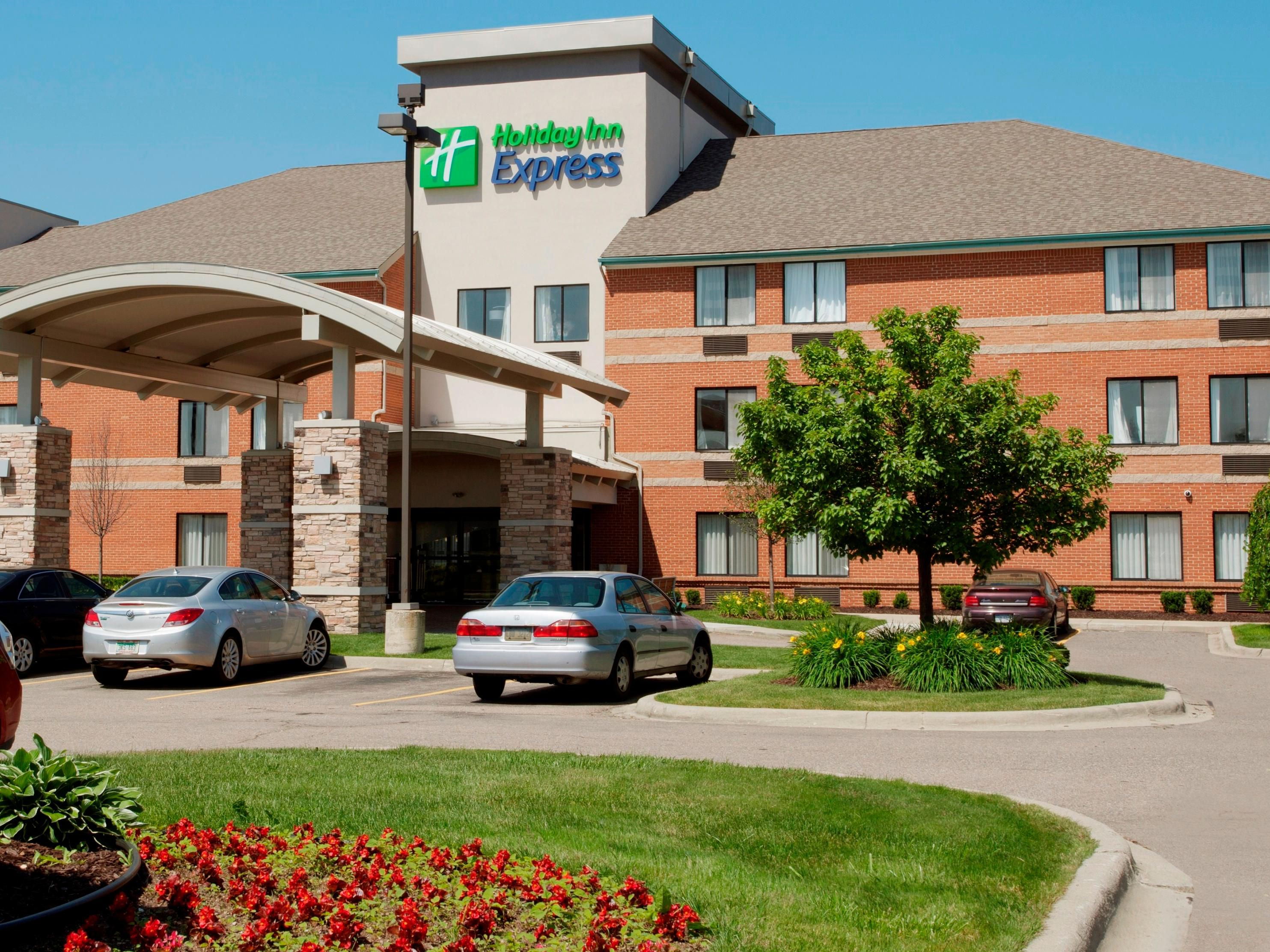 Holiday Inn Express Romulus/Detroit Airport