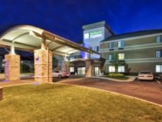 Holiday Inn Express Romulus / Detroit Airport in Woodhaven, Michigan