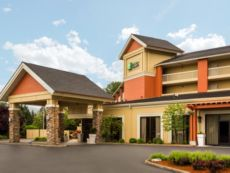 Holiday Inn Express Roseburg in Canyonville, Oregon