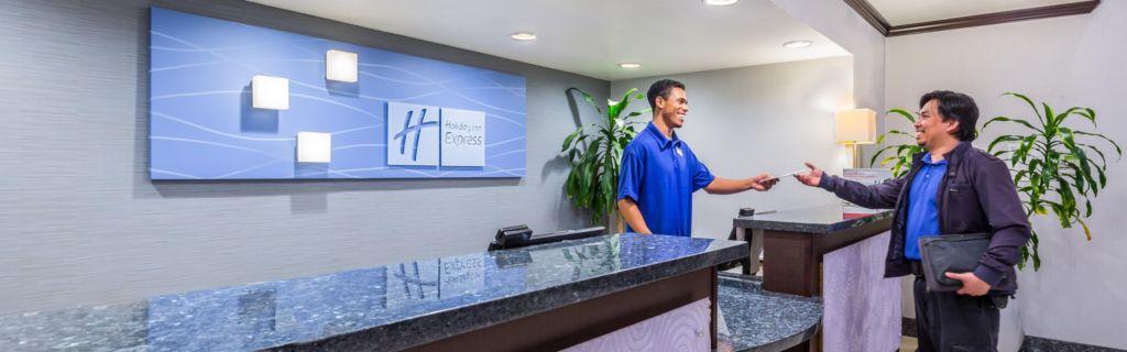 Holiday Inn Express SeaWorld Area Front Desk