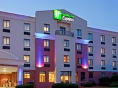Holiday Inn Express Saugus (Logan Airport) in Lawrence, Massachusetts
