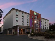 Holiday Inn Express Saugus (Logan Airport) in Burlington, Massachusetts