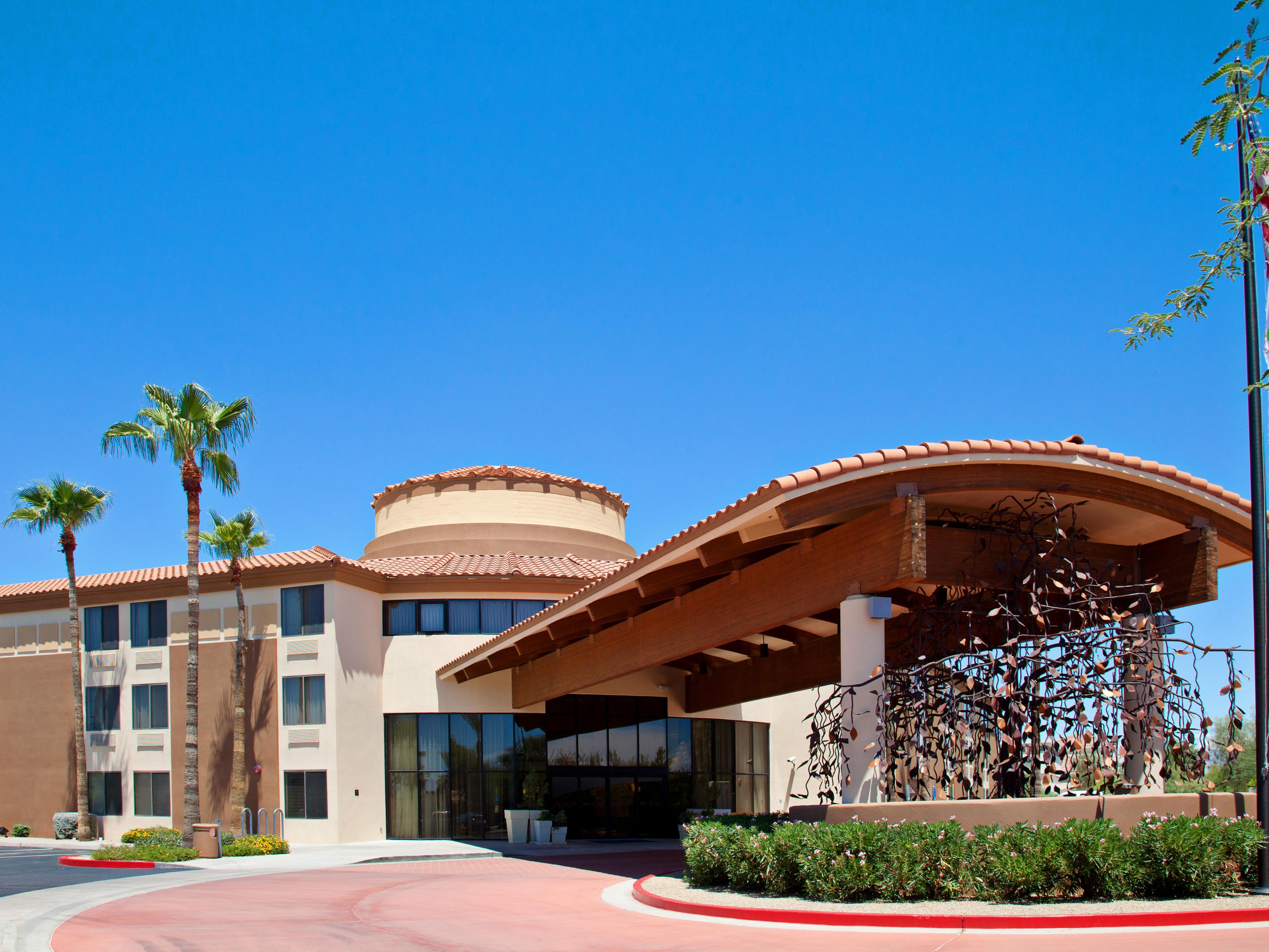 Holiday Inn Express Scottsdale North Entrance
