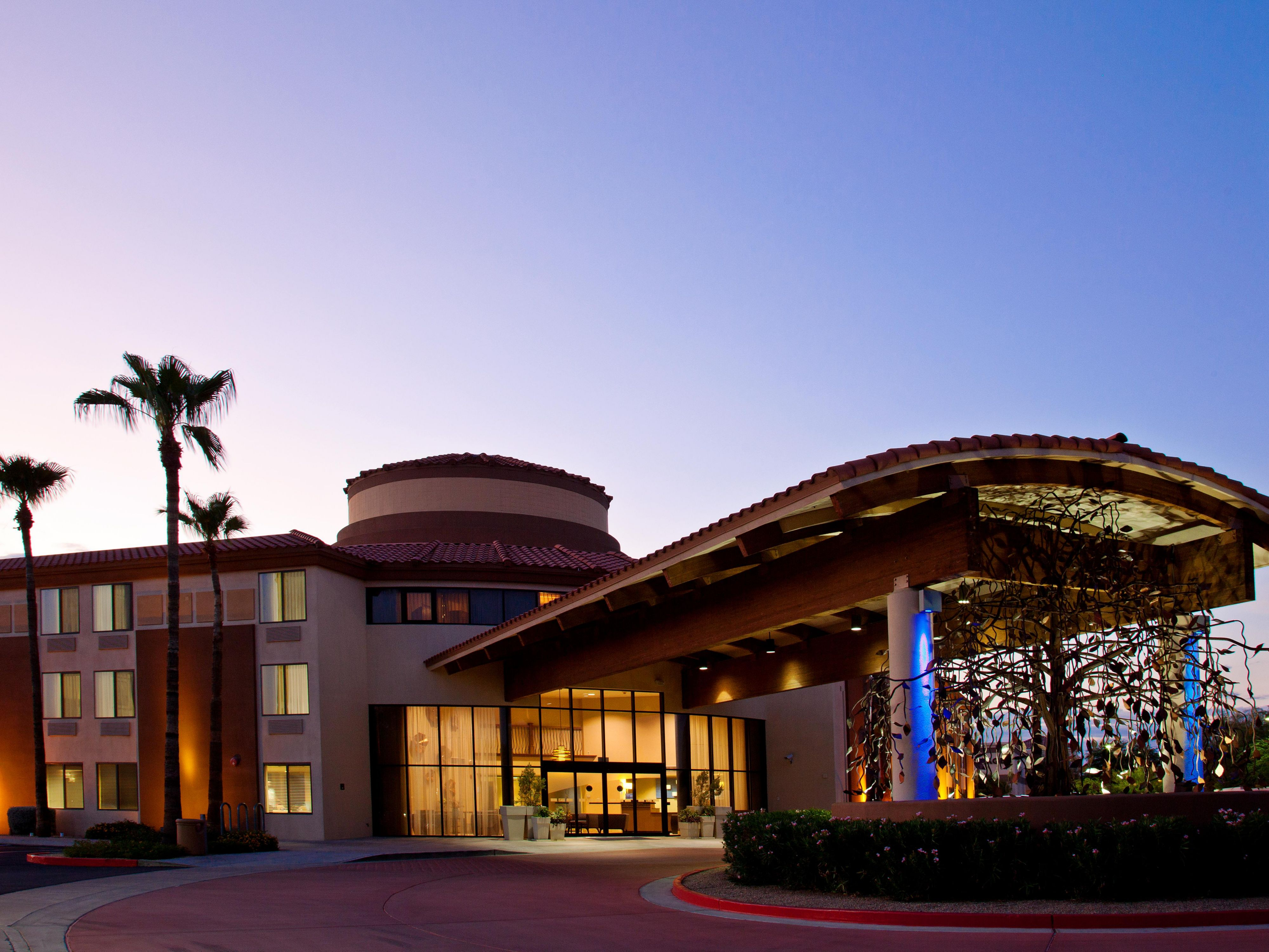 Holiday Inn Express Scottsdale North Entrance Night