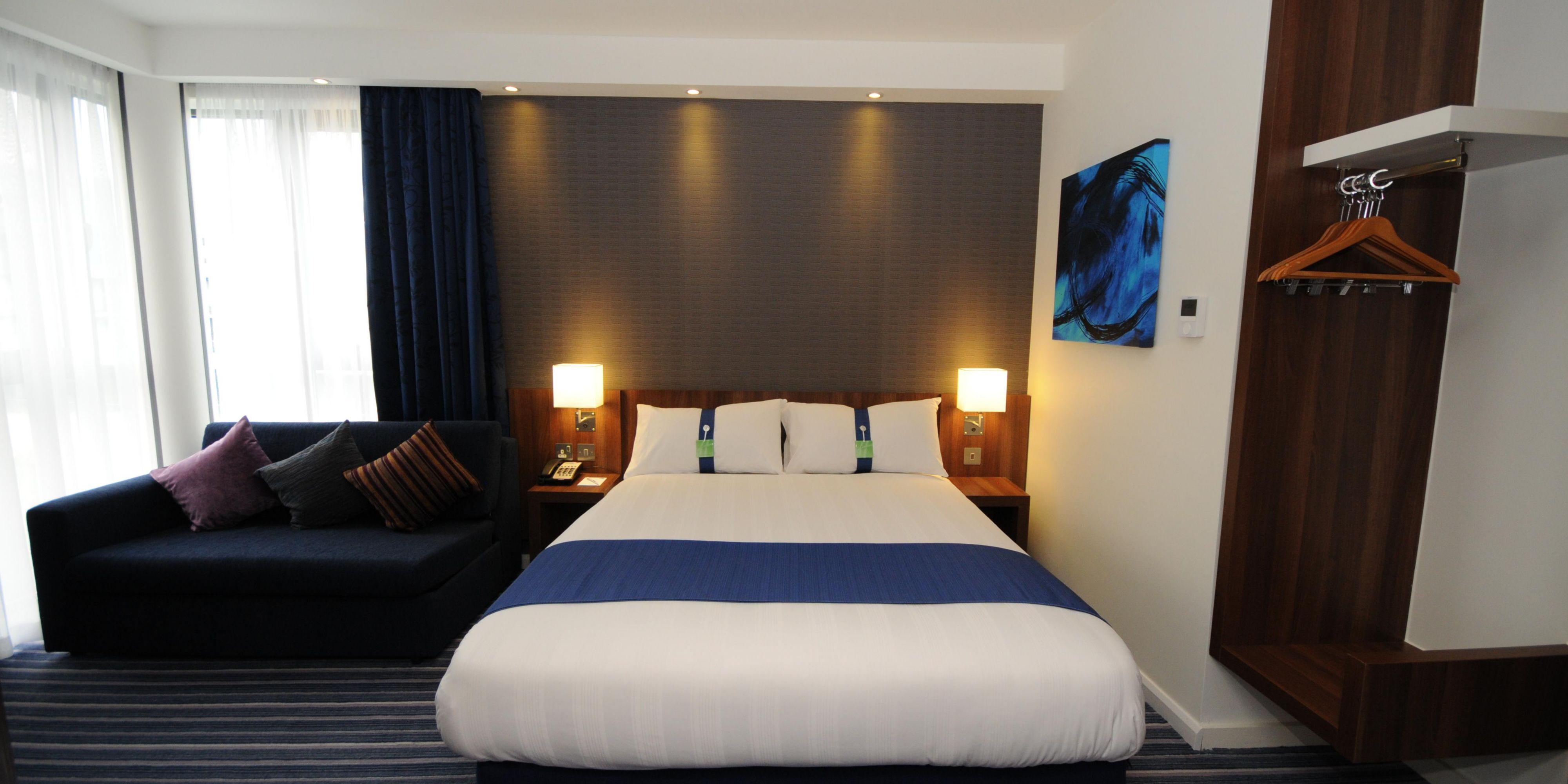 Holiday Inn Express Sheffield 3651760050 2x1