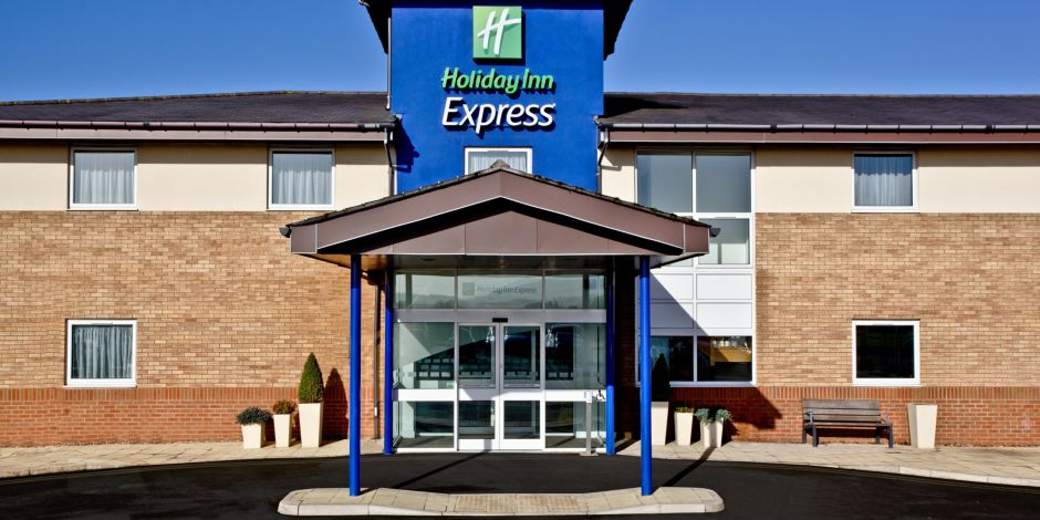Hotel Exterior Day Welcome To Holiday Inn Express Shrewsbury