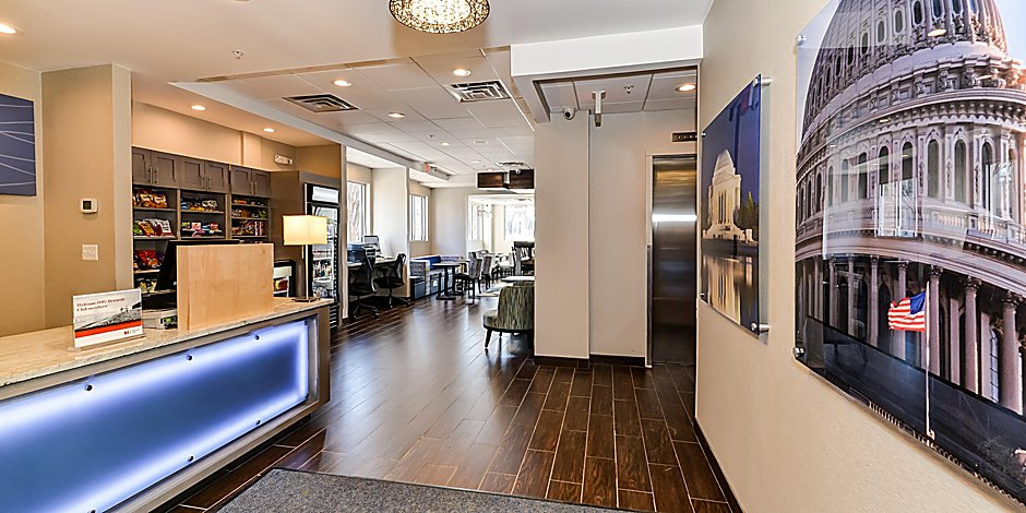Hotels in Silver Springs, MD   Holiday Inn Express