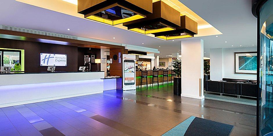 London Heathrow Terminal 5 Hotels Holiday Inn Express