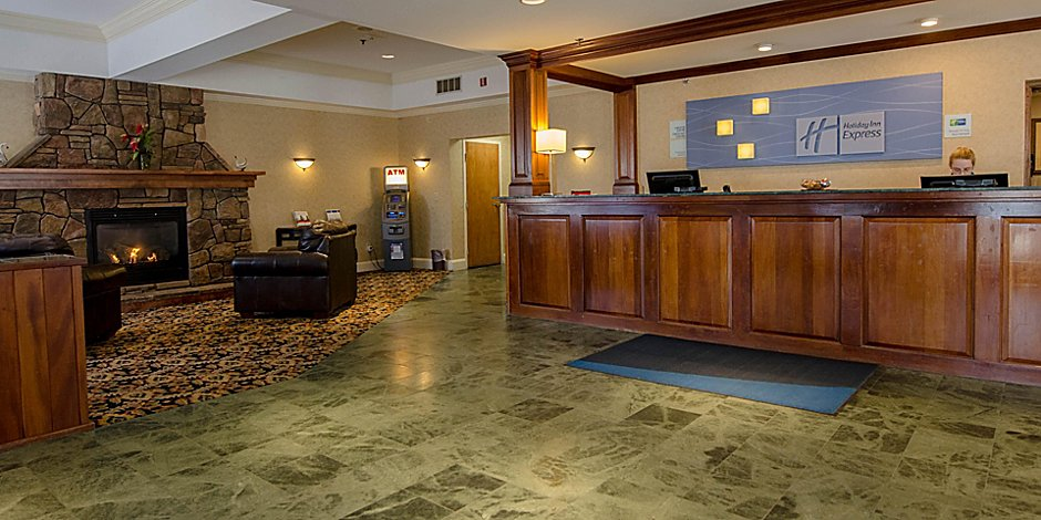 e629a7f6d Holiday Inn Express South Burlington Hotel by IHG