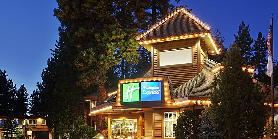 Inn Express South Lake Tahoe Our Property Is Well Lit At Night But It So Beautiful Dusk