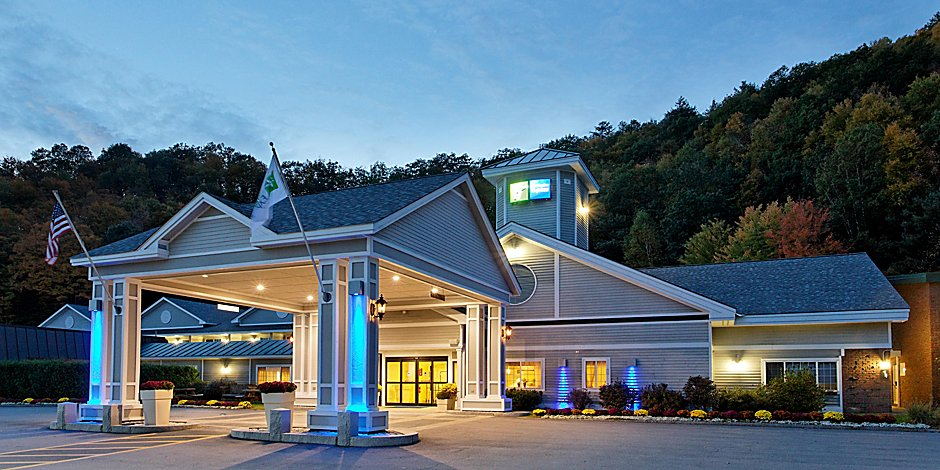 Holiday Inn Express Springfield Hotel in Springfield by IHG on