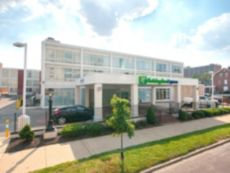 Holiday Inn Express St Louis - Central West End in Shiloh, Illinois