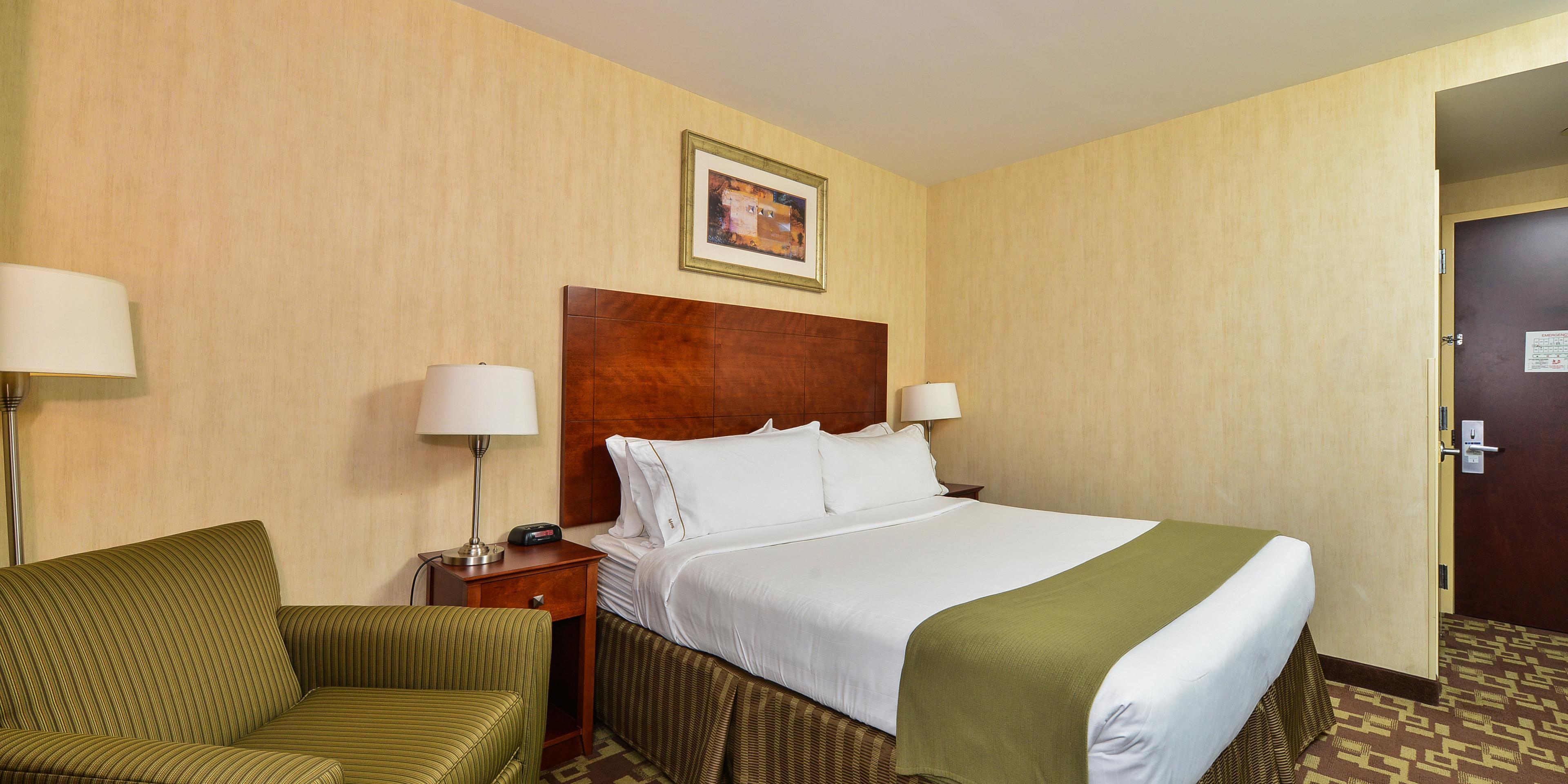 Holiday Inn Express Staten Island 3716250762 2x1