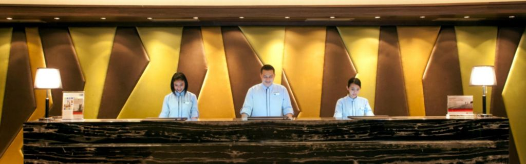 Holiday Inn Express Surabaya CenterPlaza Hotel Front Desk