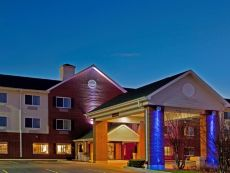 Holiday Inn Express Chicago NW-Vernon Hills in Crystal Lake, Illinois