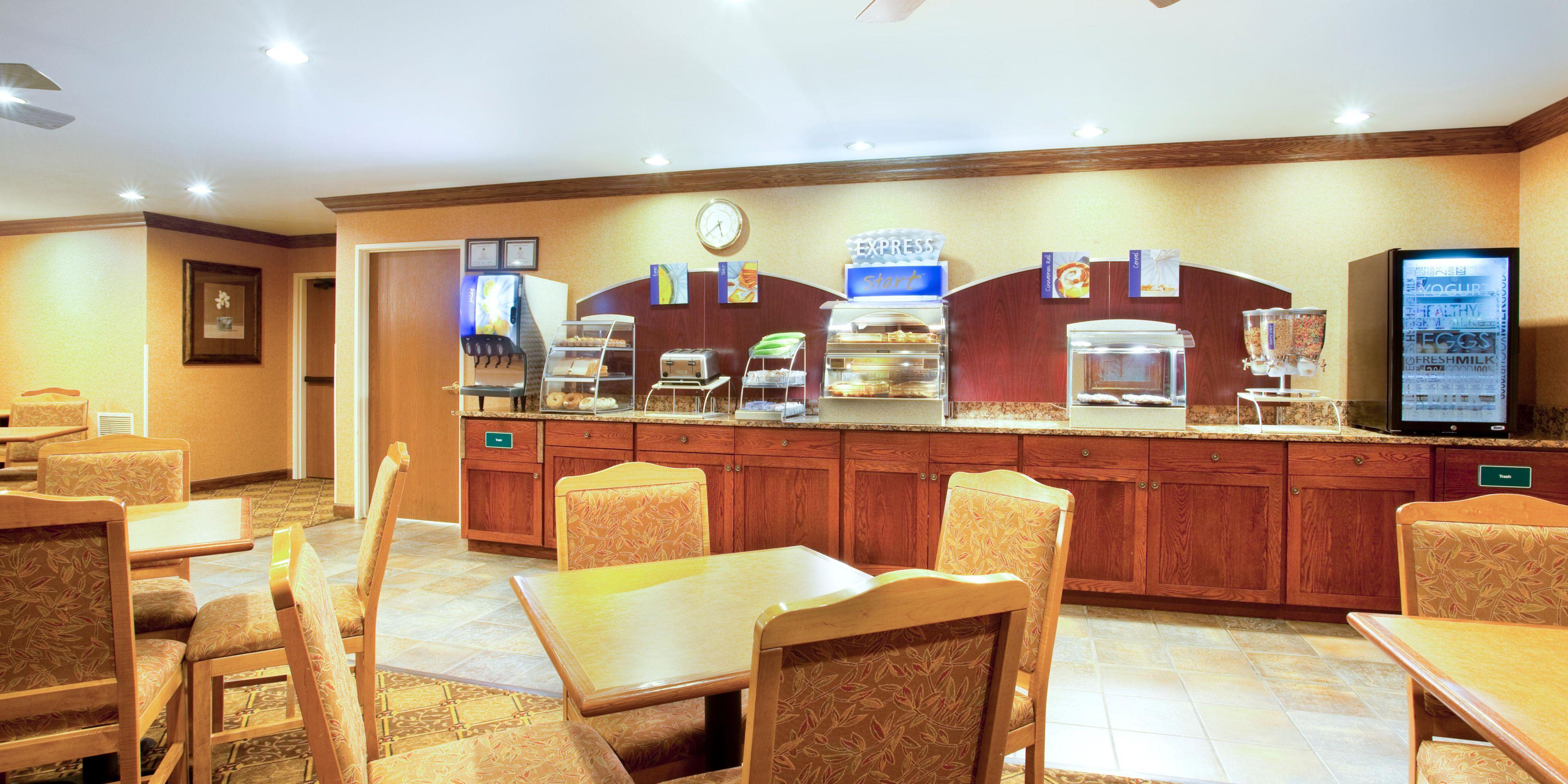 Holiday Inn Express Vernon Hills 2531972027 2x1