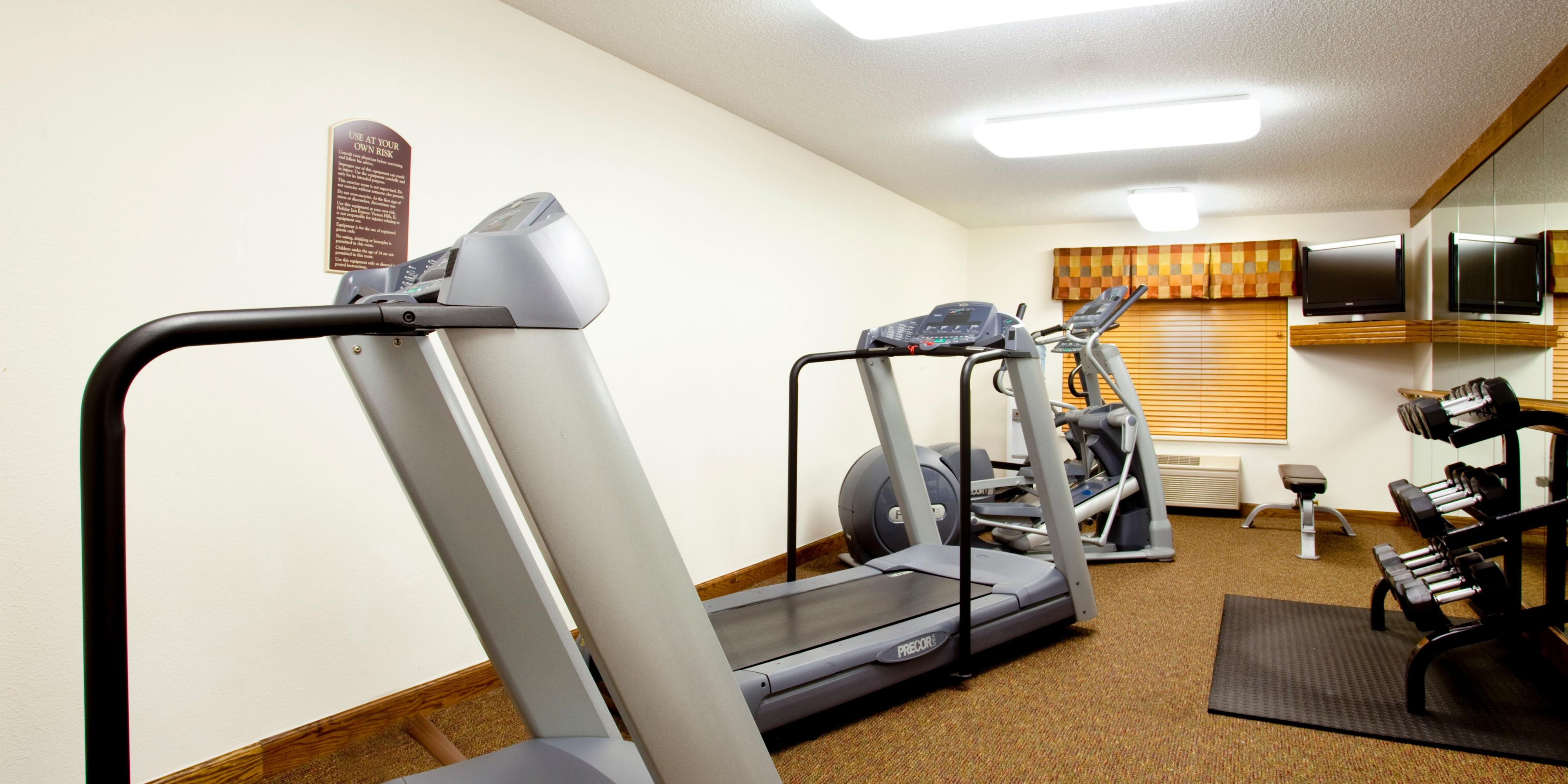 holiday inn express chicago nw vernon hills hotel by ihg
