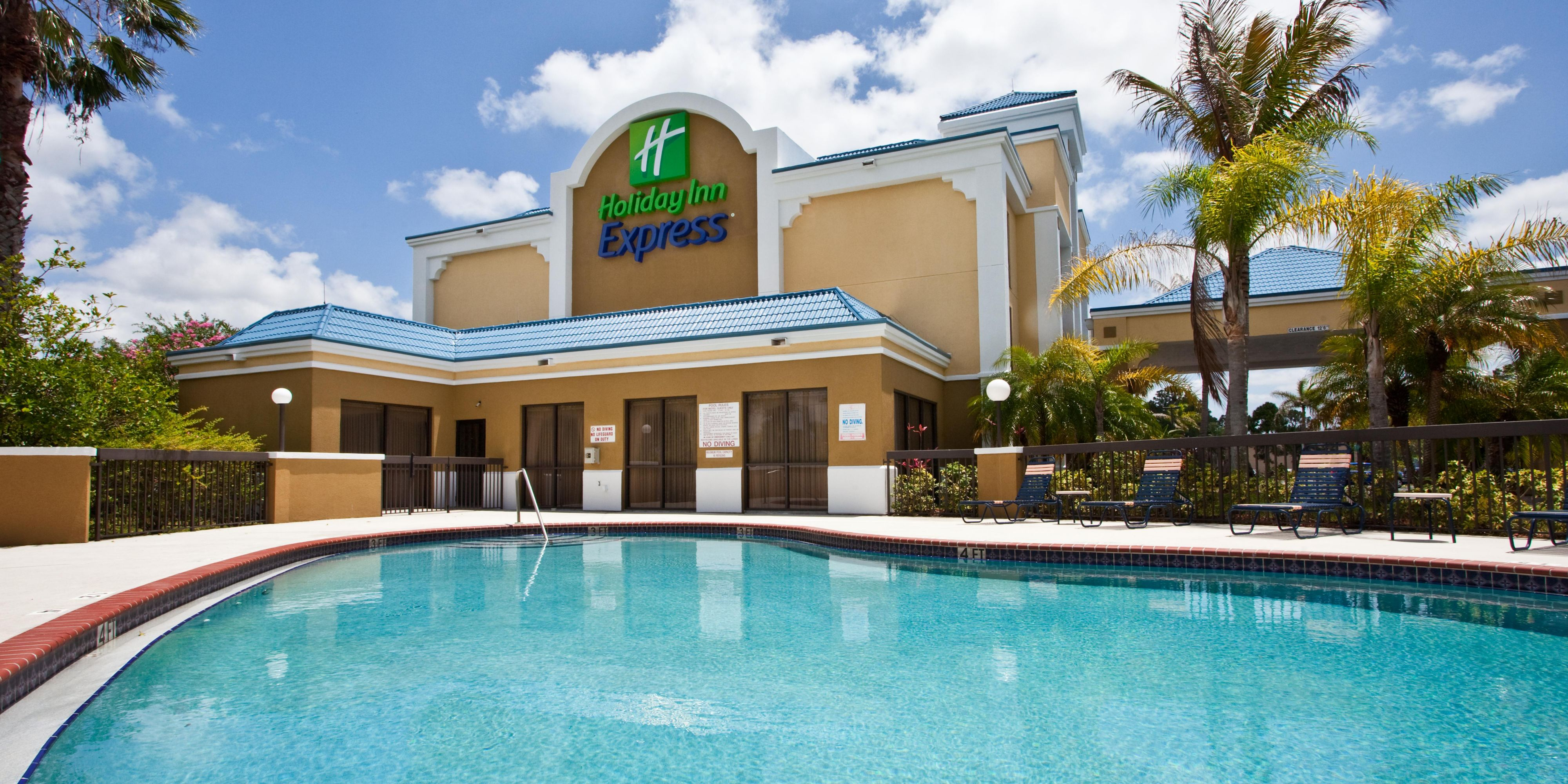 Holiday Inn Express Vero Beach 4330420853 2x1