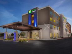 Holiday Inn Express Visalia in Visalia, California