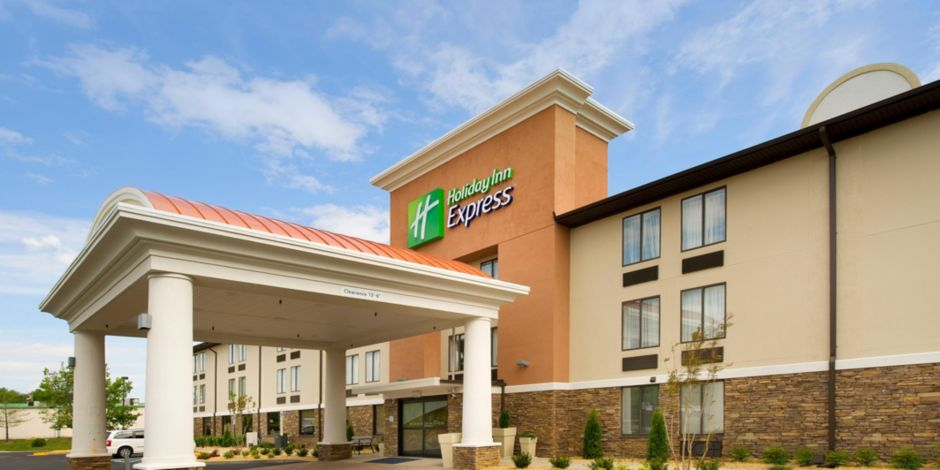 Welcome To The Holiday Inn Express Waldorf