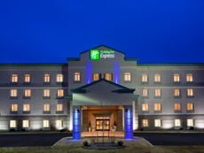 Holiday Inn Express Syracuse-Fairgrounds in North Syracuse, New York