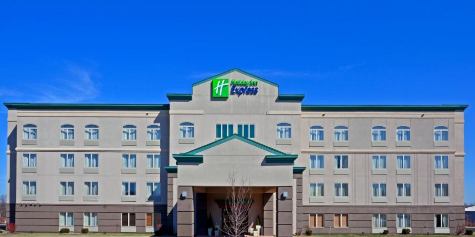 We Welcome You To Our Quiet Hotel Minutes From The Fairgrounds