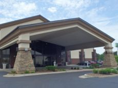 Holiday Inn Express Detroit-Warren (Gm Tech Ctr) in Chesterfield, Michigan