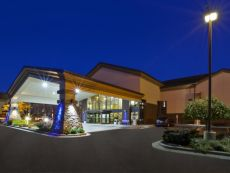 Holiday Inn Express Detroit-Warren (Gm Tech Ctr) in Roseville, Michigan