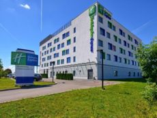 Holiday Inn Express Varsovie Aéroport in Jozefow, Poland