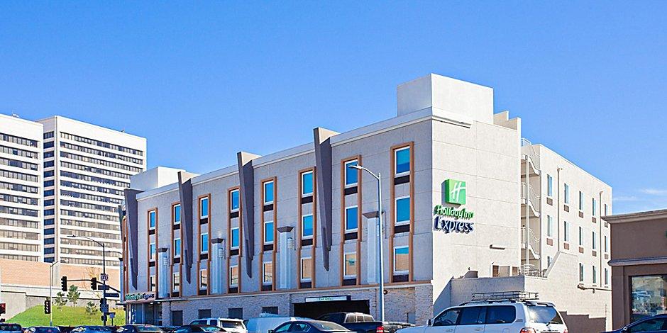 Santa Monica Hotels near UCLA | Holiday Inn Express West Los