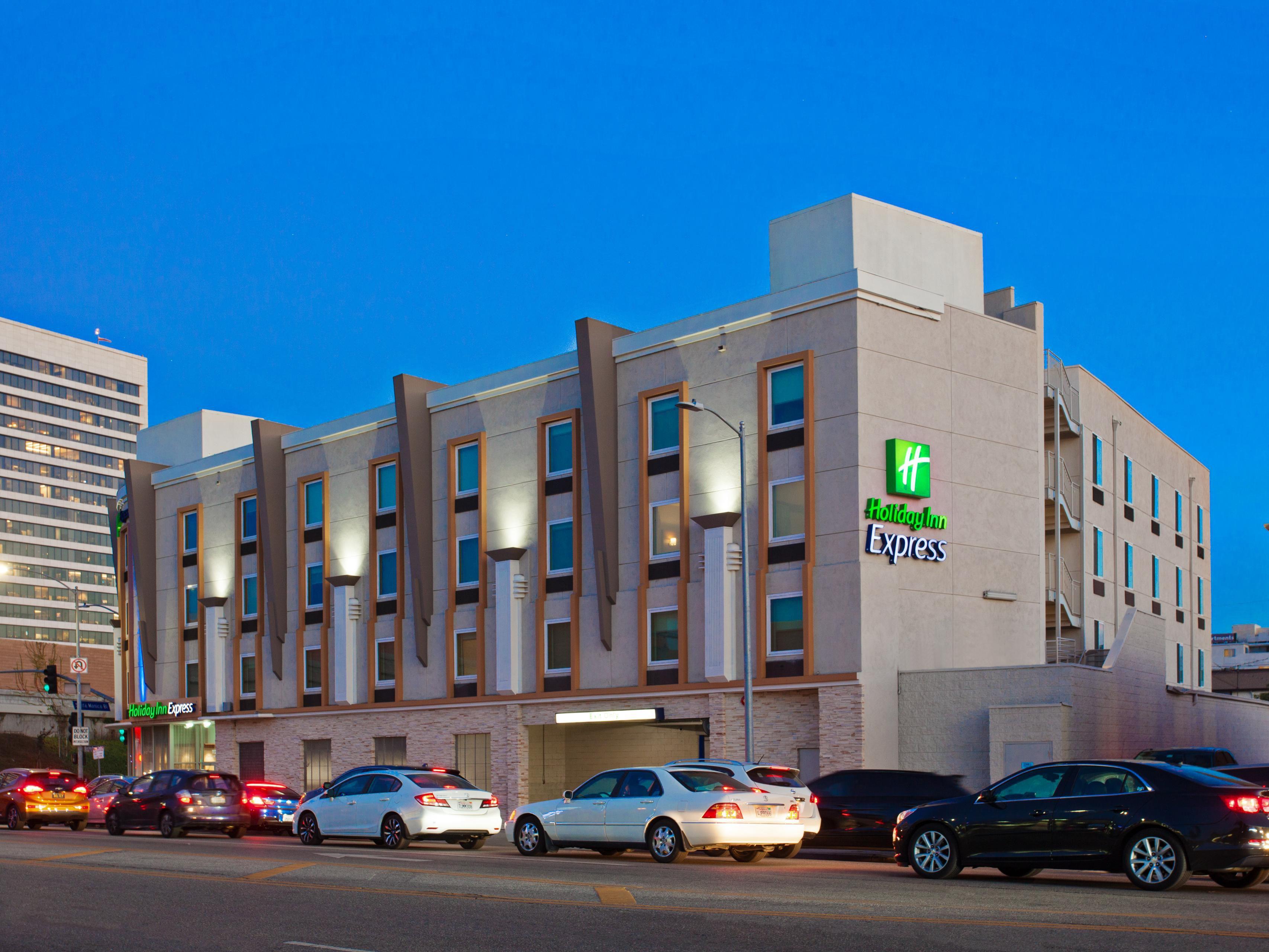 Hotels Near Bob Hope Airport
