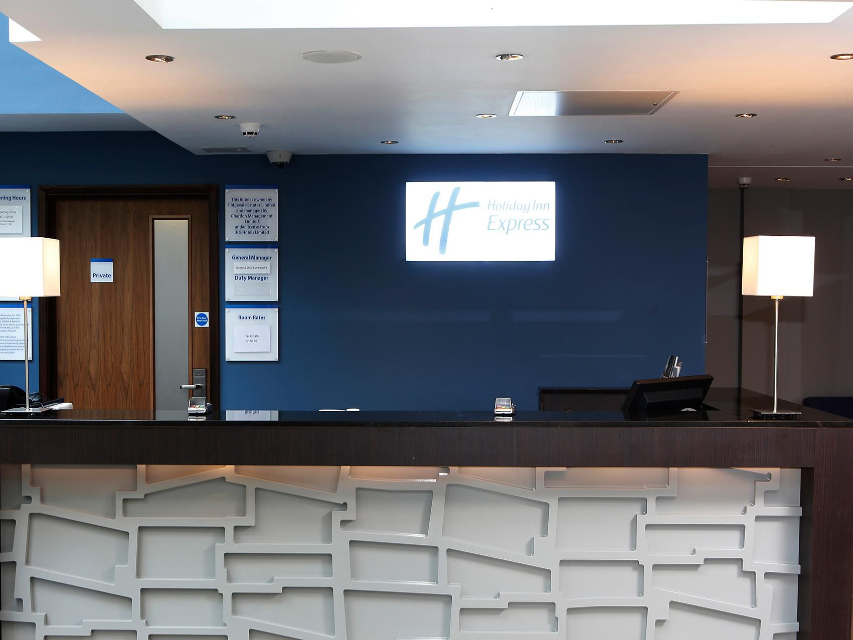 The Front Desk at the Holiday Inn Express Windsor