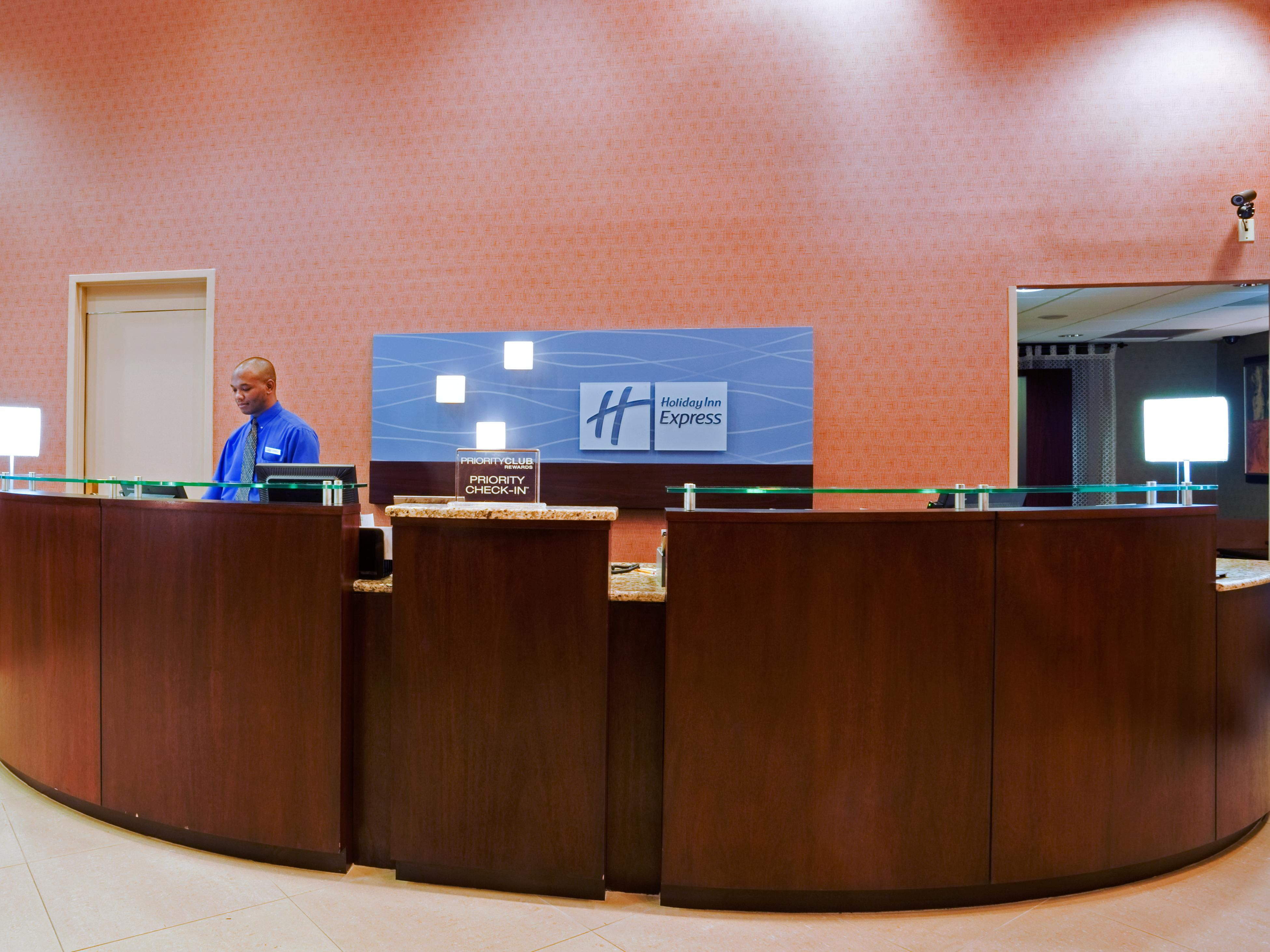 Easy accessible Front Desk with three check-in stations