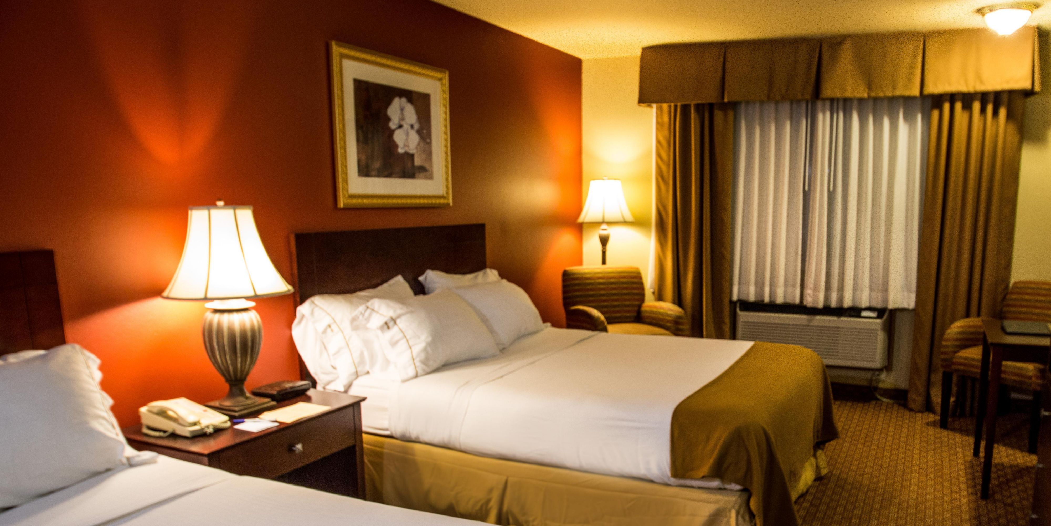 Holiday Inn Express Wisconsin Dells 2533040455 2x1