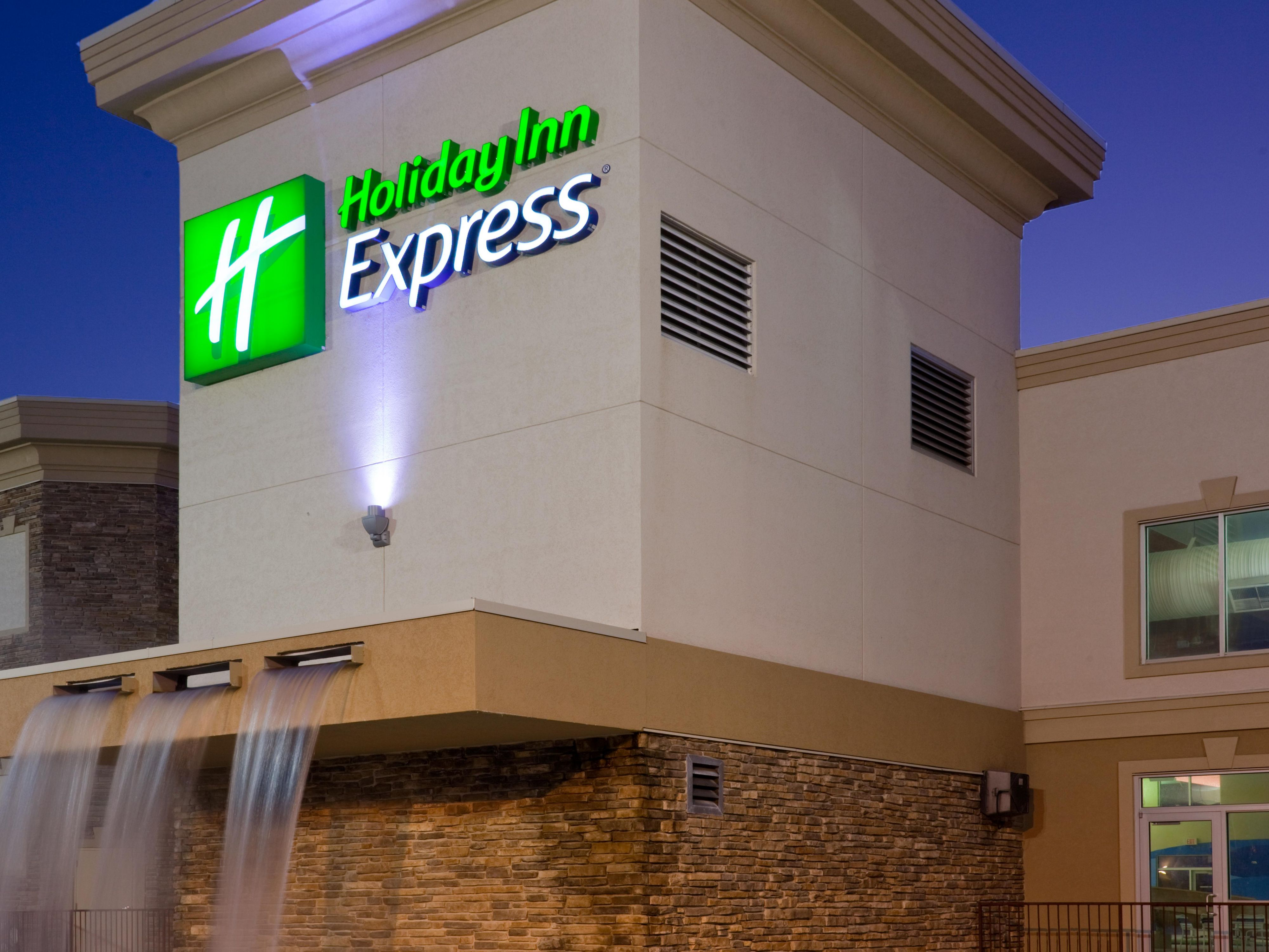 Hotel Specials for Holiday Inn Express Wisconsin Dells