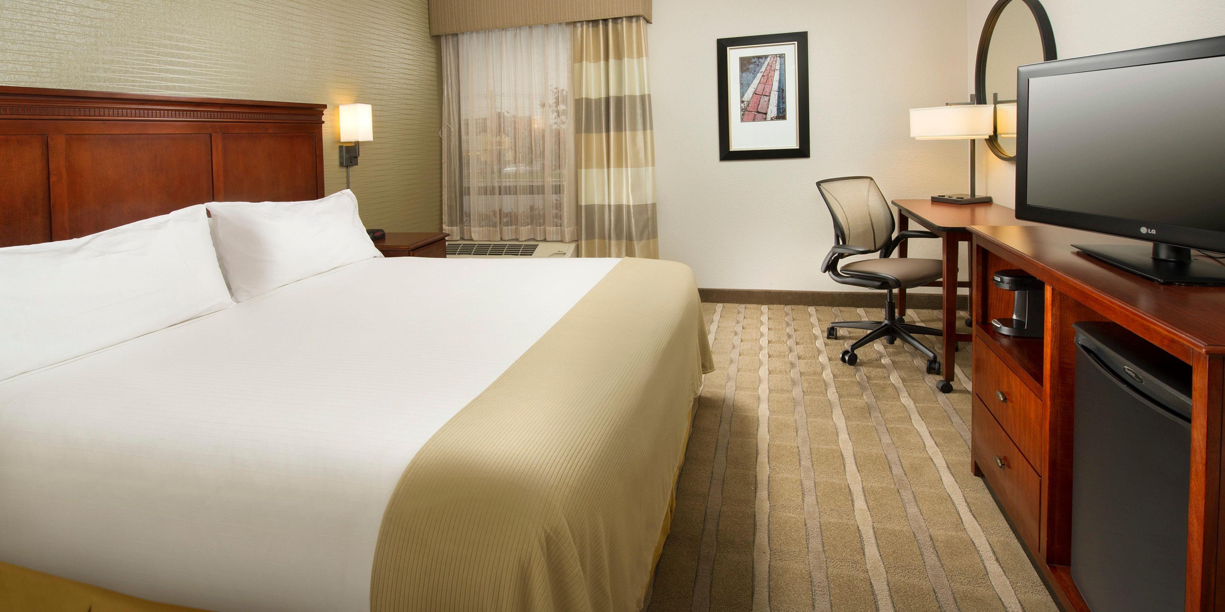 Holiday Inn Express Woburn 3281354201 2x1