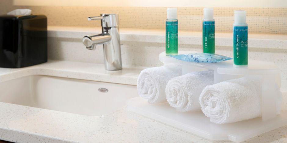 Hotel Lobby Bath Amp Body Works Bathroom Amenities Complementary