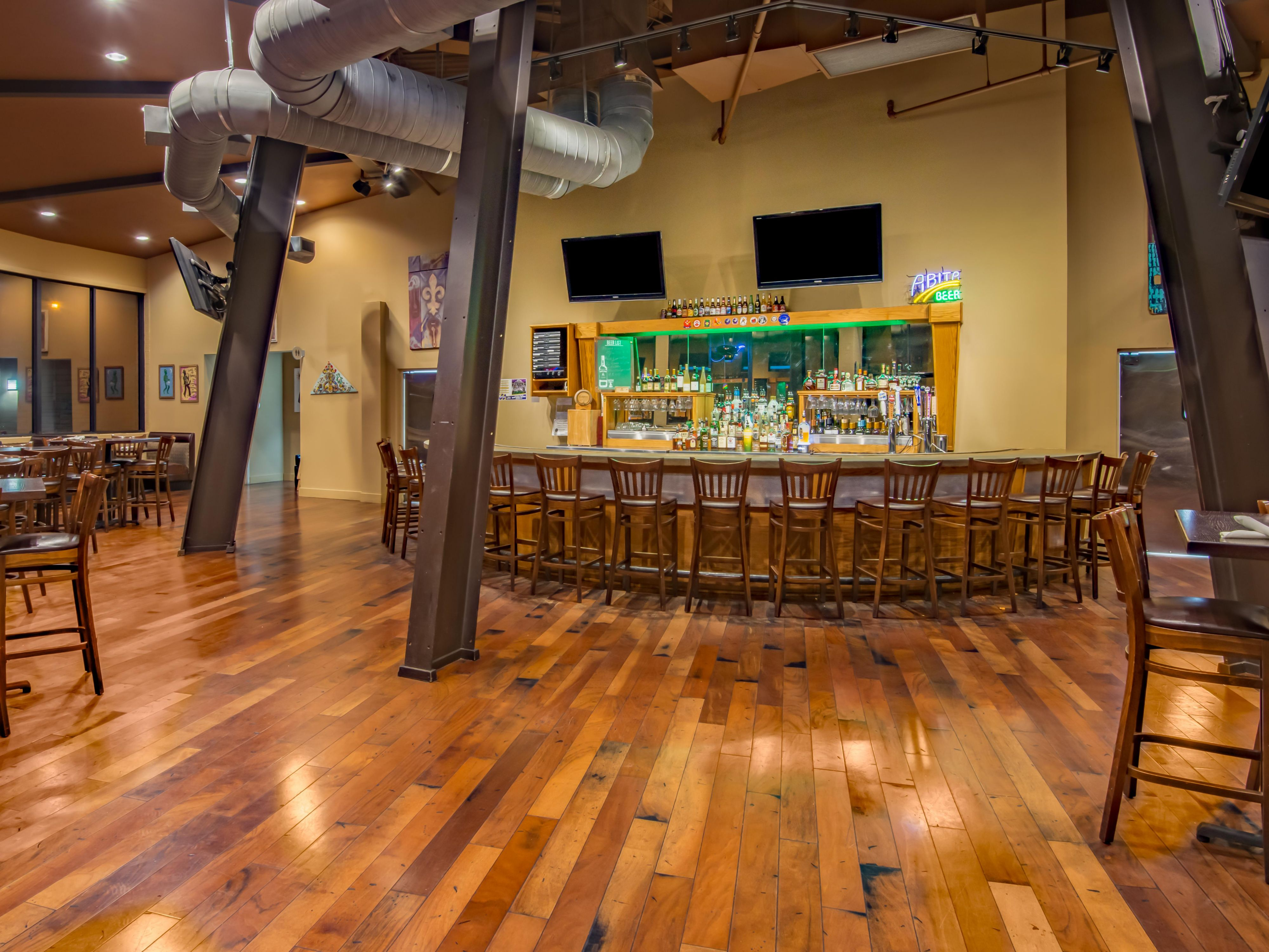 Roundhouse Bar & Grill - Holiday Inn New Orleans Westbank