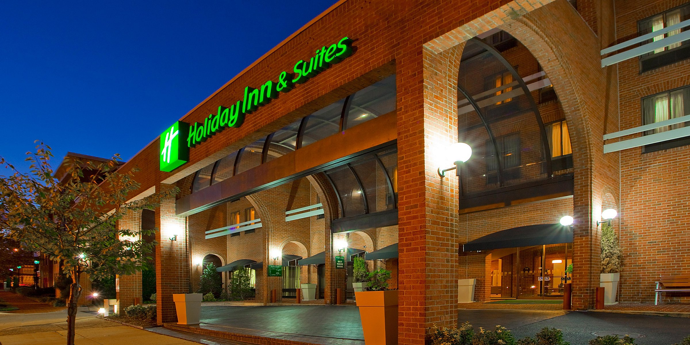 Old Town Alexandria Va Hotels Holiday Inn Suites