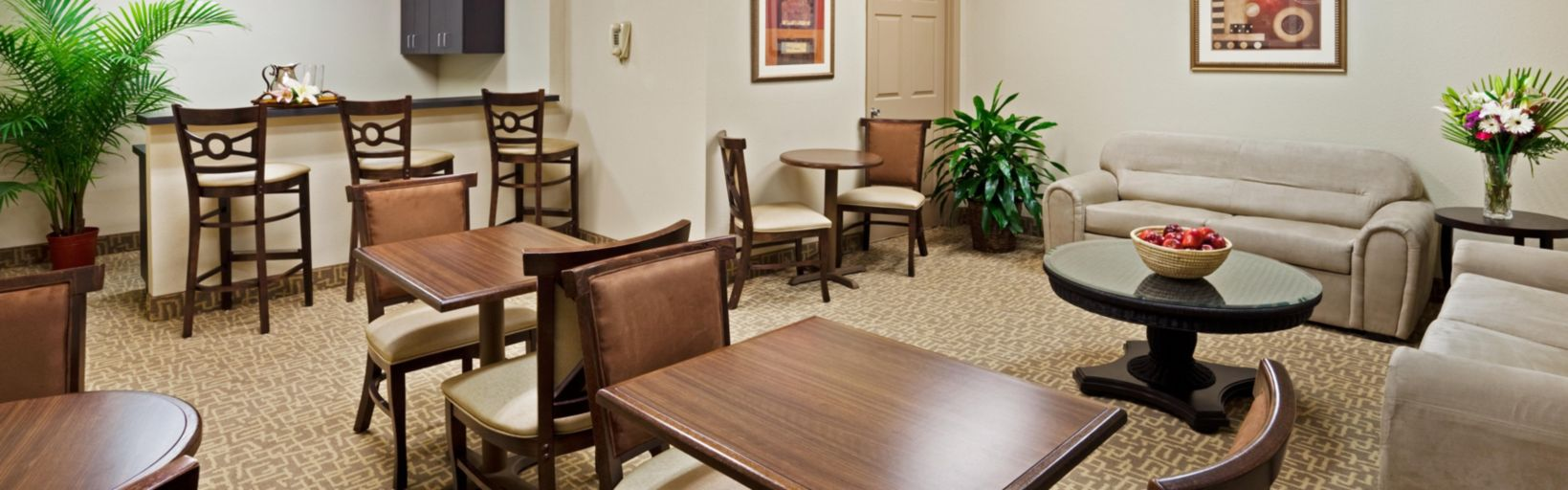 Holiday Inn Hotel Suites Beaufort Highway 21 Hotel Groups