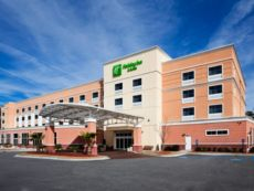 Holiday Inn Hotel & Suites Beaufort @ Highway 21 in Hardeeville, South Carolina