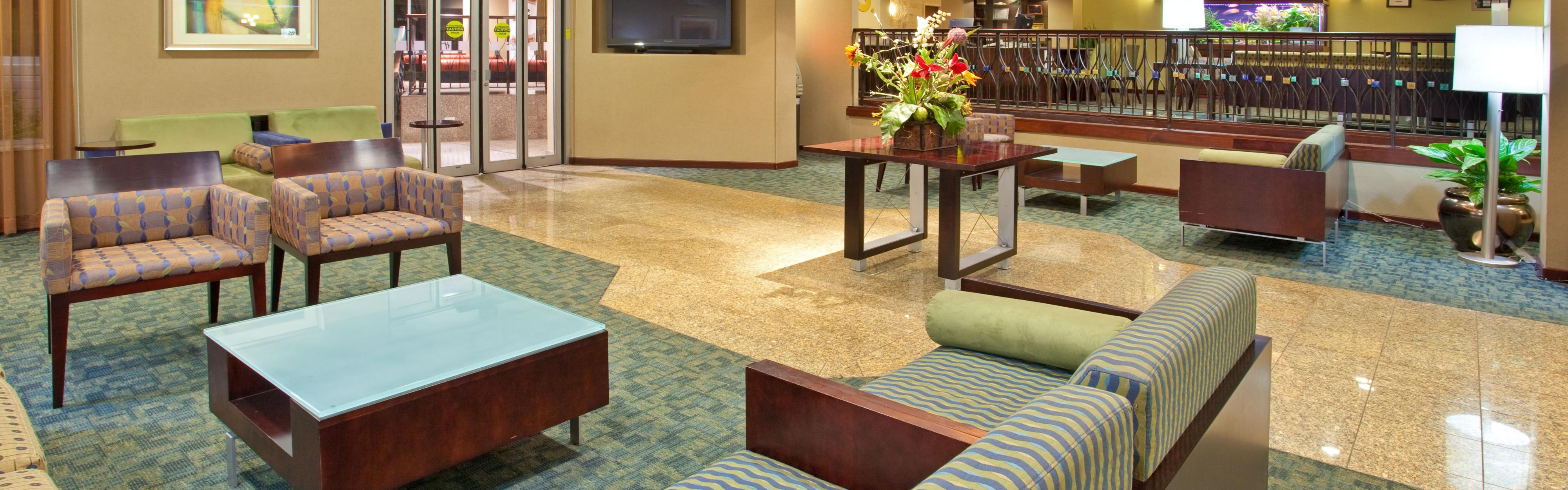 Hotels Near Wheaton Il Simple Emby Suites By Hilton Chicago